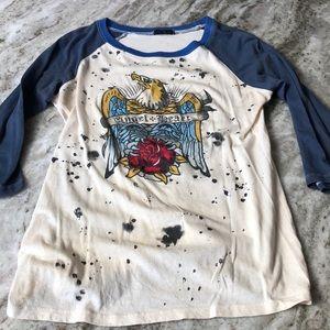 Tops - Graffiti tee shirt